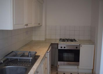 3 bed flat to rent in Church Road, London E12