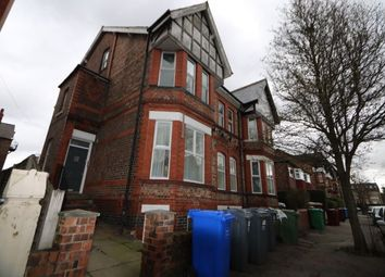 2 bed flat to rent in Grosvenor Road, Whalley Range, Manchester M16