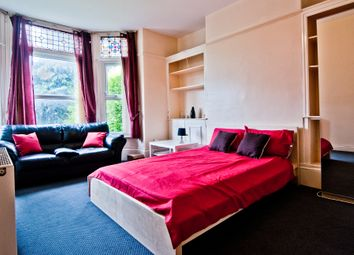 Thumbnail 2 bedroom flat to rent in Kelso Road, Leeds