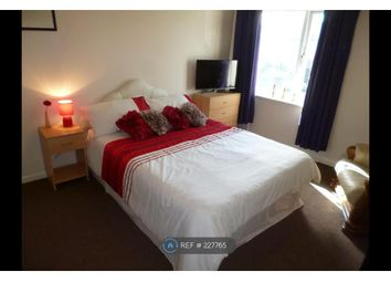 Thumbnail Room to rent in Near Bolton Hospital, Bolton