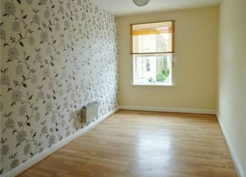 Thumbnail 1 bedroom flat to rent in Commercial Road, Skelmanthorpe, Huddersfield, West Yorkshire
