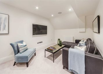 Thumbnail 2 bed flat to rent in Rainville Road, Fulham, Lond