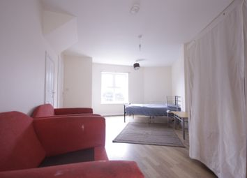 Thumbnail 2 bed flat to rent in Saunders Close, Seven Kings