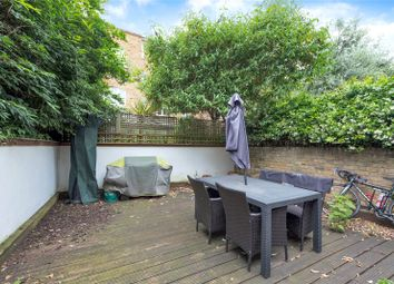 Thumbnail 2 bed flat to rent in Lilyville Road, Fulham, London