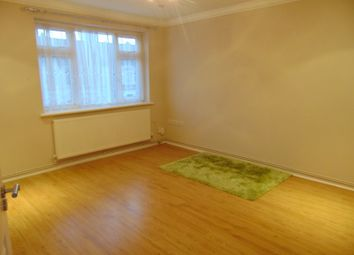 Thumbnail 2 bed flat to rent in North Road, Seven Kings
