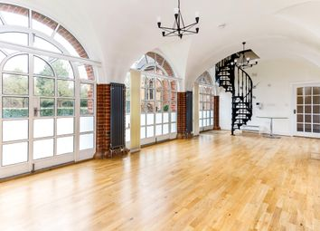 Thumbnail 3 bed flat to rent in Hatch Lane, Windsor