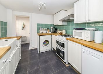 Thumbnail 2 bed cottage for sale in Redehall Road, Smallfield, Horley