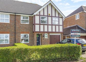 Thumbnail 5 bedroom detached house to rent in Highfield Road, Northwood