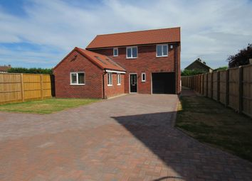 Thumbnail 3 bed detached house for sale in Mayfield Crescent, Rossington