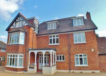 3 bed flat to rent in Pembroke Road, Woking GU22