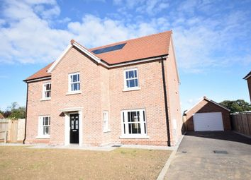 Thumbnail 5 bed town house for sale in Aldrich Close, Kirby Cross, Frinton-On-Sea
