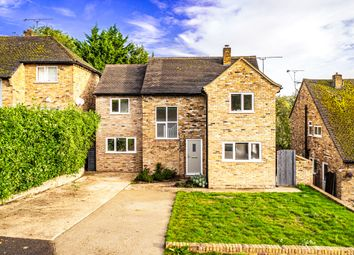 Thumbnail 5 bedroom detached house for sale in 31 St James Close, Pangbourne On Thames