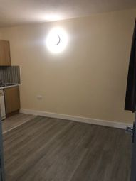 2 bed flat to rent in Stratford Road, Birmingham B28