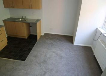 Thumbnail 1 bedroom flat to rent in Princes Avenue, Hull
