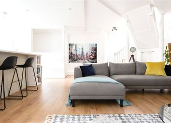3 bed maisonette to rent in Junction Mews, Paddington, London W2