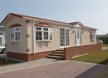Thumbnail 3 bedroom mobile/park home for sale in Shirmart Park, Halsinger, Braunton