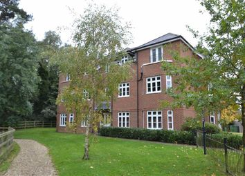 Thumbnail 2 bed flat for sale in Rowlock Gardens, Hermitage, Berkshire