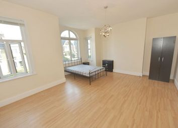 Thumbnail 2 bed flat to rent in Upland Road, East Dulwich, London