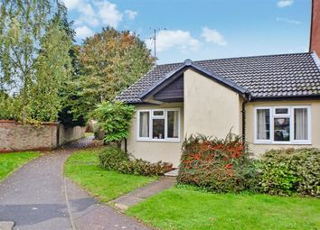 Thumbnail 2 bed bungalow to rent in Field Close, Sandridge, St. Albans