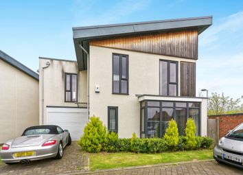 Thumbnail 4 bed detached house for sale in Faringdon Court, Basingstoke