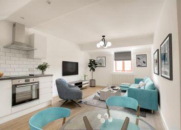 Thumbnail 2 bedroom maisonette for sale in Sevens Close, High Street, Berkhamsted