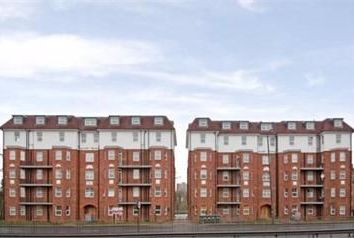 Thumbnail 4 bed flat to rent in Brent View House, North Circular Road, London
