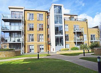 Thumbnail 1 bed flat to rent in Blagrove Road, Teddington