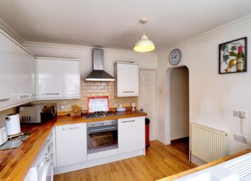 2 bed maisonette for sale in Fyfield Road, Rainham RM13
