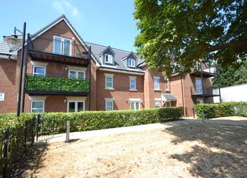 Thumbnail 1 bed flat to rent in Molesey Road, Hersham, Walton-On-Thames