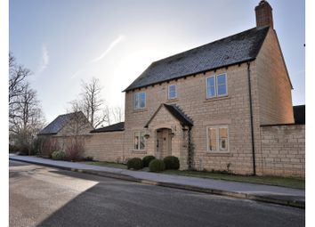 Thumbnail 3 bed detached house for sale in Hawthorn Drive, Burford
