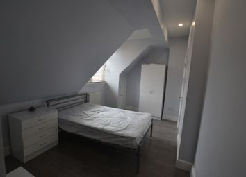 Thumbnail Room to rent in Double Ensuite Room, Brighton Road, Croydon