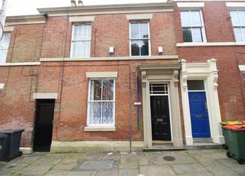 Thumbnail 2 bed flat to rent in Cadogan Place, Preston