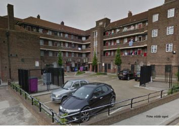 Thumbnail 3 bed flat to rent in Ben Jonson Road, Stepney Green
