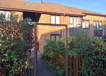 Thumbnail Flat for sale in Gateway, Weybridge