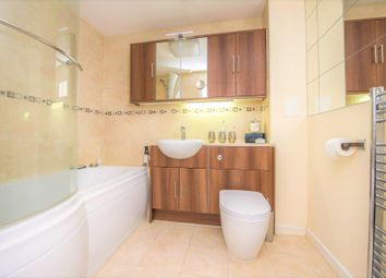 2 bed flat for sale in Sebastopol Road, Aldershot, Hampshire GU11