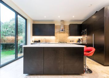 3 bed property to rent in Sutton Lane South, Grove Park, London W4