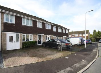 3 bed terraced house to rent in Robertsfield, Thatcham RG19