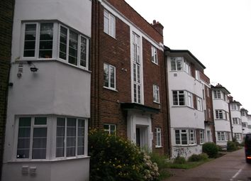 3 bed flat to rent in Great West Road, Osterley / Hounslow TW5