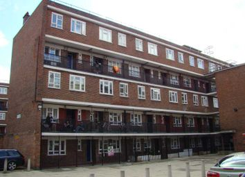Thumbnail 1 bed flat to rent in Geffrye Estate, London