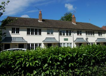 Thumbnail 2 bed flat to rent in Park Lane, Beaconsfield