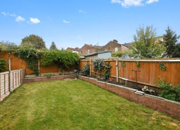 Thumbnail 6 bedroom detached house to rent in Colney Hatch Lane, London