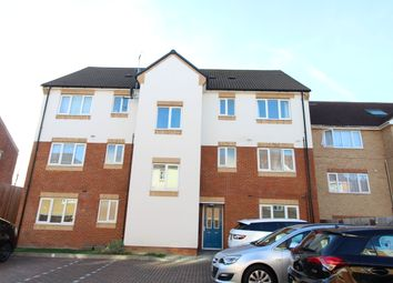 Thumbnail 2 bed flat to rent in Sarum Road, Leagrave, Luton
