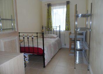 Thumbnail Property to rent in Worthington Road, Tolworth, Surbiton