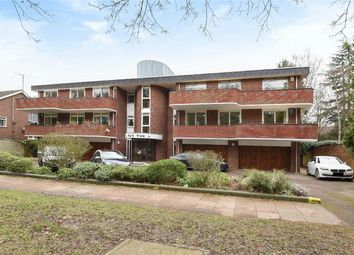 Thumbnail 3 bed flat for sale in Park Avenue, Bedford