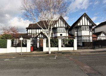 Thumbnail 5 bedroom terraced house to rent in Western Avenue, Golders Green