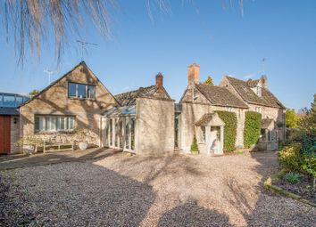 Thumbnail 4 bed cottage for sale in Broughton Poggs, Broughton Poggs, Lechlade
