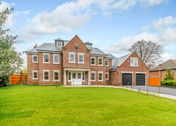 Thumbnail 6 bed detached house to rent in Beechwood Avenue, Weybridge