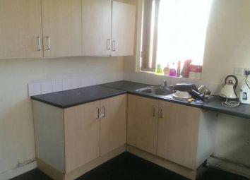 Thumbnail 2 bedroom flat to rent in Dewsbury Road, Leeds