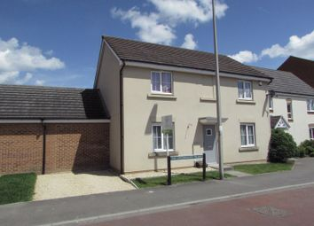 Thumbnail 4 bed detached house for sale in Urquhart Road, Thatcham