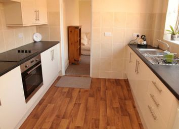 Thumbnail 5 bed shared accommodation to rent in Brattleby Crescent, Lincoln